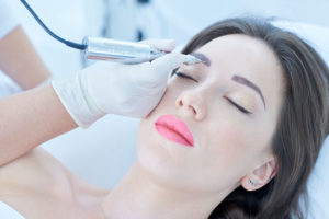 Nadchodzące Szkolenia Makijaż Permanentny Brwi Metodą Ombre Kontact